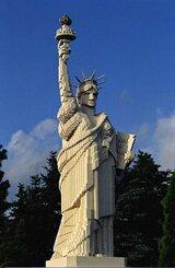 Статуя Свободы из лего